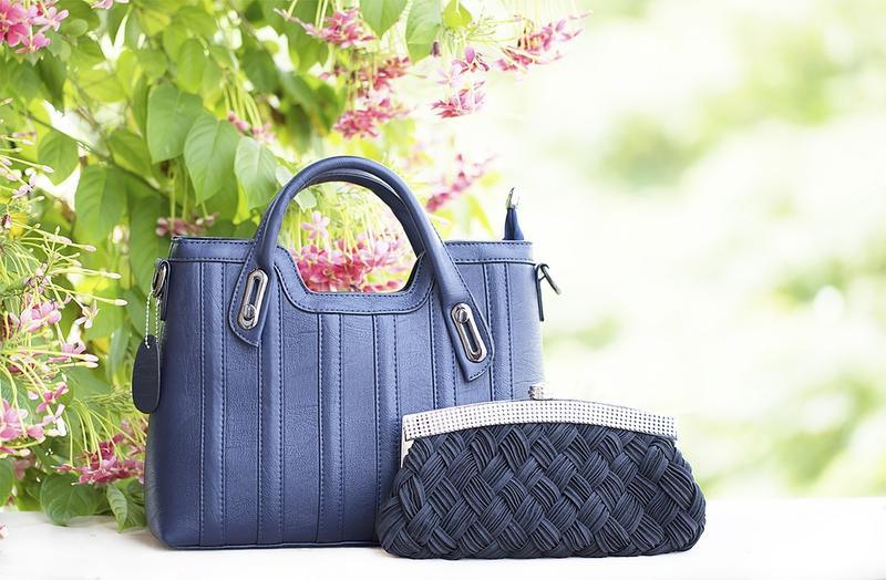 Женщина и её сумка