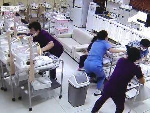 Медсестры проявили отвагу, когда началось землетрясение и в роддоме малыши оказались под угрозой!